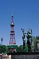 大通公園の彫刻とさっぽろテレビ塔