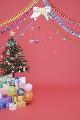 クリスマスツリーと沢山のプレゼント