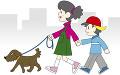 犬を散歩する姉弟