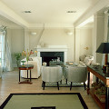 部屋 テーブル イス 窓 観葉植物 ソファー 居間
