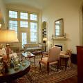 部屋 テーブル イス 窓 ライト 鏡 ミラー ソファー 居間