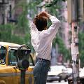 海外 北米 人物 街の風景 女性(外国) 後姿 車 タクシー パーキングメー