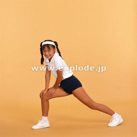 horse(ホース)社のベーシックな体操服です。 こども園、小学校、中学校、高校用の運動着、スクール用トレーニングウェアとしてお勧めです。