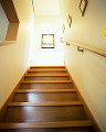 005: 階段 額