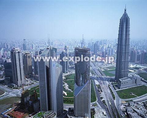 017: 上海 浦東地区 東方明珠より