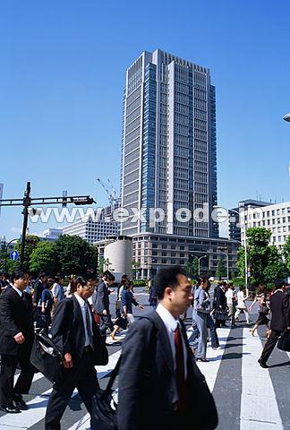 002: 丸ビル 通勤風景 千代田区 丸の内