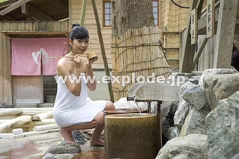 009: 山中温泉 石川県 温泉水 女性