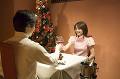 001:クリスマスに乾杯する夫婦
