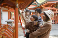 057:神社に初詣 親子4人