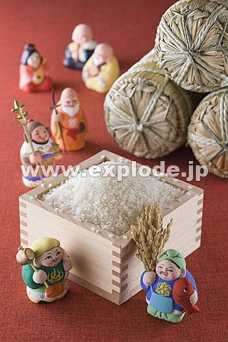 枡に入った米と七福神と米俵