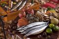 秋の食材をバーベキューコンロで焼く